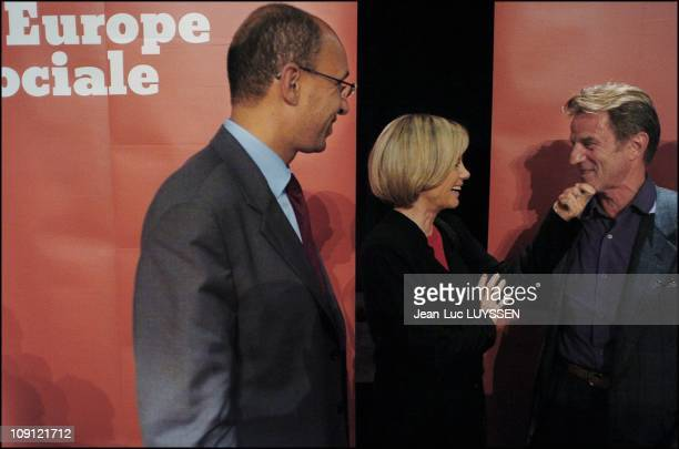 Meeting Of Harlem Desir Head Of Left Wing Coalition List For The European Election On May 24 2004 In Paris France From Left To Right Harlem Desir...
