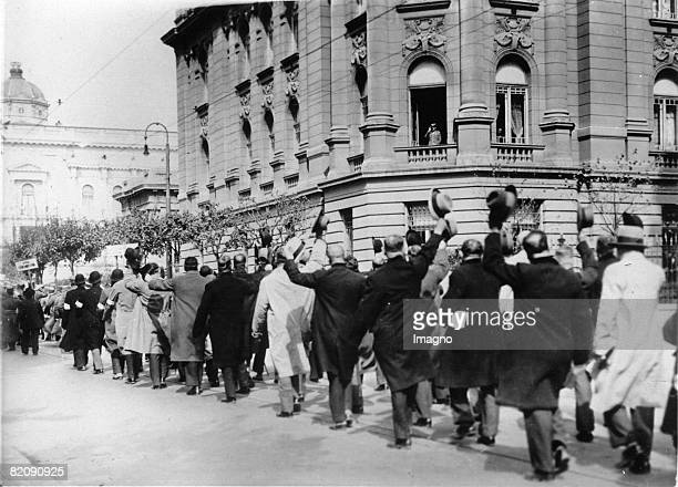 Meeting of participants of the First Worldwar in Beograd, In the picture: the paricipants marching past Alexander I of Yugoslavia who is sitting in...