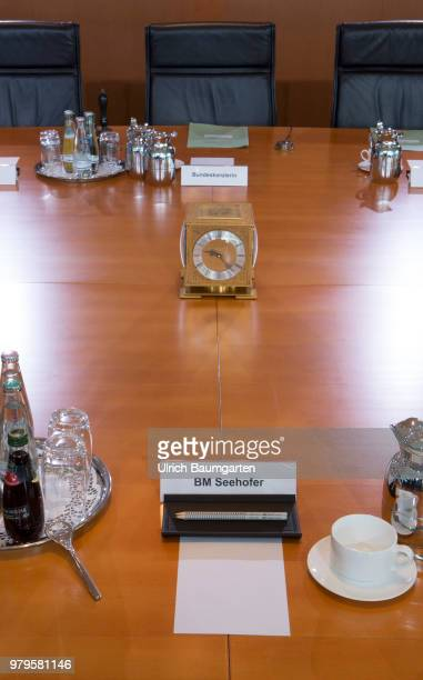 Meeting of the Federal Cabinet in the Federal Chancellery in Berlin The workplace of Minister of Interior Horst Seehofer and the workplace of...