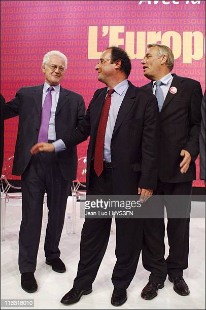 Meeting Of The Socialist Party For The Yes With Francois Hollande And Lionel Jospin On May 19Th 2005 In Nantes France From Left To Right Lionel...