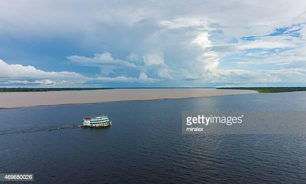 reunião de águas rio negro com solimões e formas amazônia - manaus - fotografias e filmes do acervo