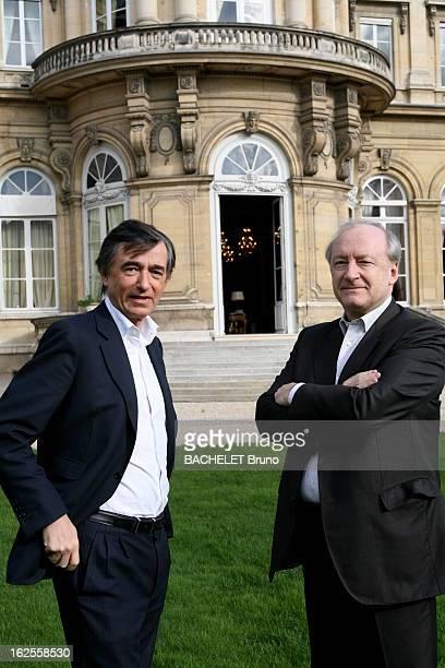 Meeting Philippe DousteBlazy Hubert Vedrine Plan de face souriant de Philippe DOUSTE BLAZY et Hubert VEDRINE bras croisés l'actuel et l'ancien...