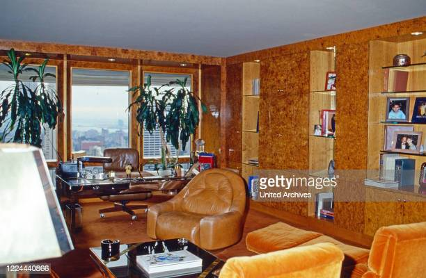 Meeting room of Adnan Kashoggi with view to the city of New York, USA 1986.