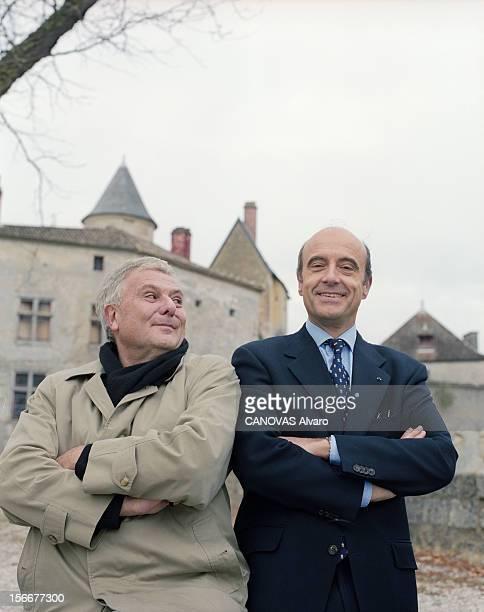 Meeting With And Alain Philippe Sollers Juppe At The Chateau De La Brede Remains Of Montesquieu. En France, le 15 novembre 1999, A l'occasion de la...