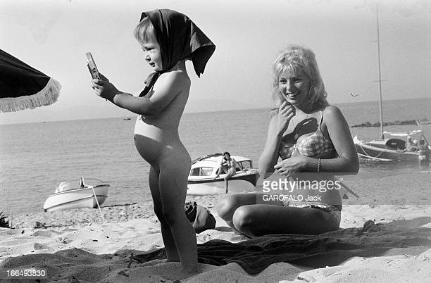 Meeting With Annette Stroyberg And Her Daughter Nathalie Vadim Aout 1959 Rendezvous avec Annette STROYBERG et sa fille Nathalie VADIM à Saint Tropez...