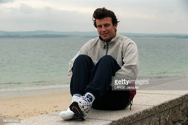 Meeting With Car Racer Olivier Panis At The Rehabilitation Center Of Treboul Douarnenez After His Accident In Canada Gp 1997 Olivier PANIS en...