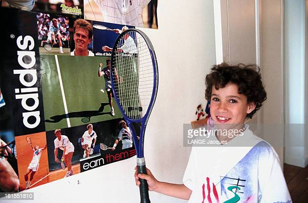 Meeting With Marion Ravelojaona 8 And A Half Years Old Hope Of Female Tennis At Home In Paris France Mai 1996 à PARIS Marion RAVELOJOANA 8 ans jeune...