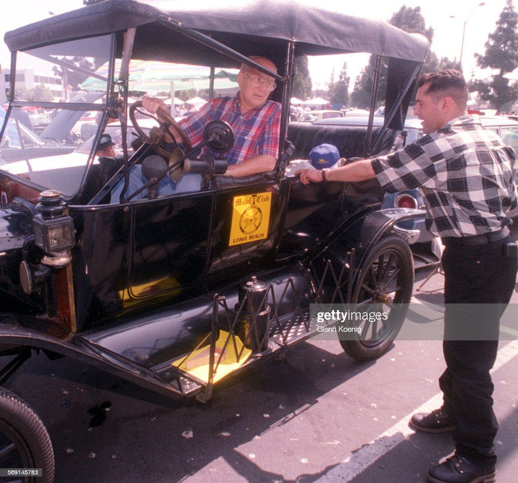 Me Ford Model T 0420 Gk Ed Gathman Of Cerritos Sitting Inside His