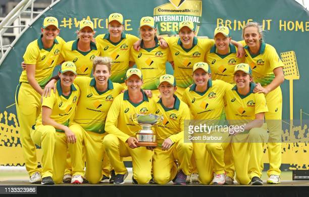 Meg Lanning of Australia and her teammates celebrate with the Rose Bowl trophy after winning game three of the One Day International Series between...