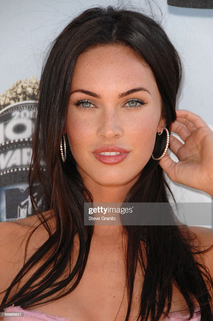 Megan Fox arrives at the 2008 MTV Movie Awards on June 1, 2008 at the Gibson Amphitheatre in Universal City, California.