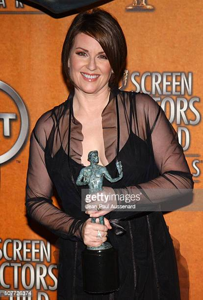 Megan Mullally winner of Outstanding Performance by a Female Actor in a Comedy Series for 'Will and Grace'