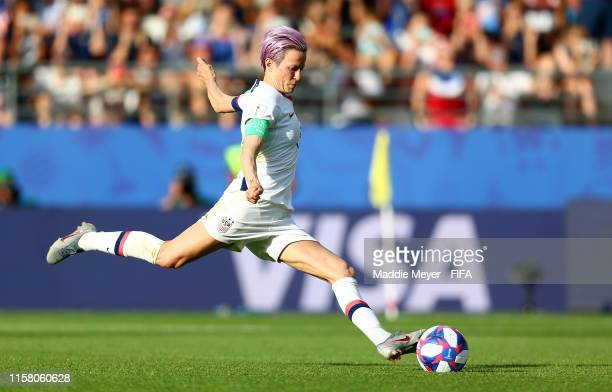 Megan Rapinoe of the USA scores her team's second goal during the 2019 FIFA Women's World Cup France Round Of 16 match between Spain and USA at Stade...