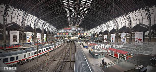 CONTENT] 111 megapixel pano of hamburg central railway station