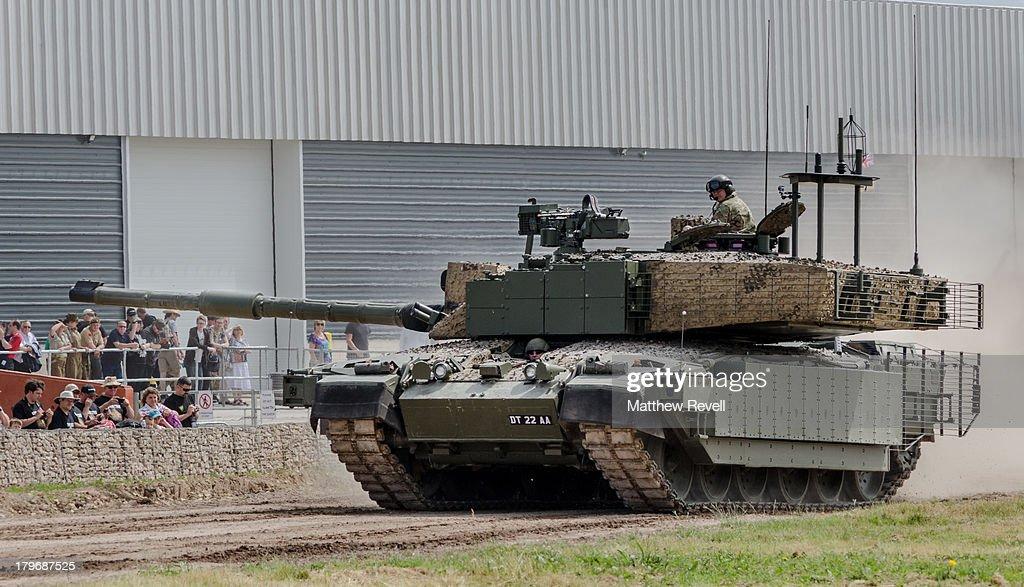 e7f26d3b0cbc CONTENT  Megatron Challenger 2 British Main Battle Tank development ...