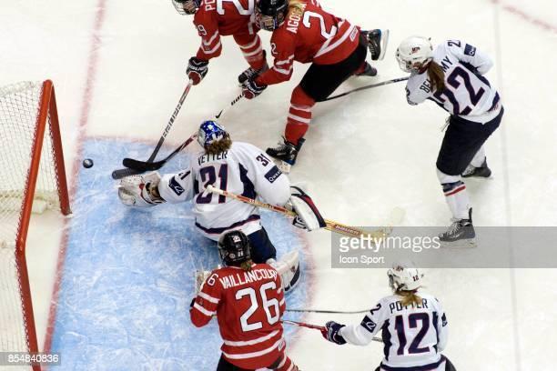 Meghan AGOSTA / Marie-Philip POULIN - - USA / Canada - Finale Canada Cup - Vancouver - Canada,