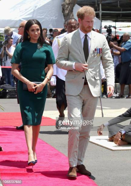Meghan Duchess of Sussex and Prince Harry Duke of Cambridge attend the unveiling of the Labalaba Statue on October 25 2018 in Nadi Fiji The Duke and...