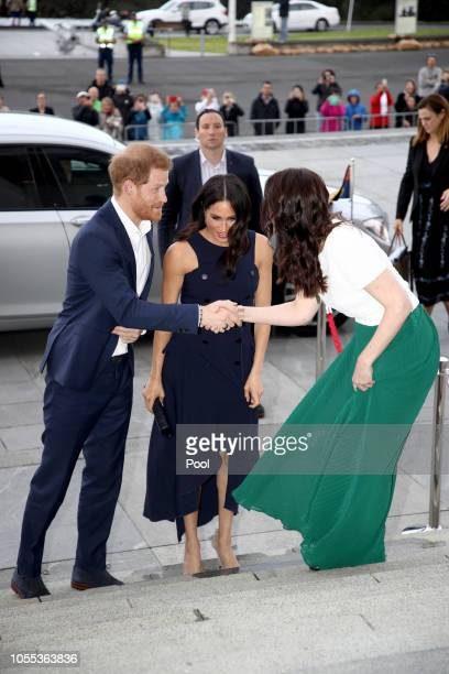 Meghan Duchess of Sussex and Prince Harry Duke of Sussex arrive at the Auckland War Memorial Museum for a reception hosted by Prime Minister Jacinda...