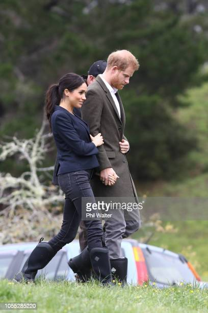 Meghan Duchess of Sussex and Prince Harry Duke of Sussex attend the unveiling of The Queen's Commonwealth Canopy in Redvale on October 30 2018 in...