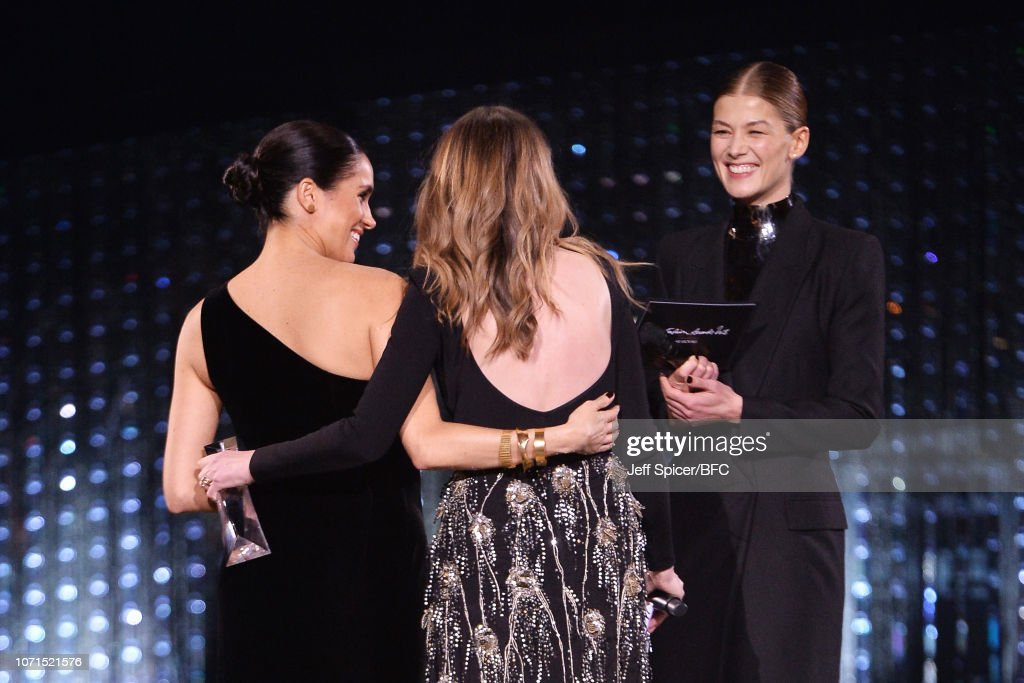 The Fashion Awards 2018 In Partnership With Swarovski - Show : News Photo