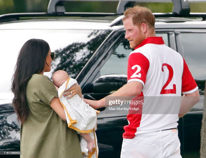 The Duke Of Cambridge And The Duke Of Sussex Take Part In The King Power Royal Charity Polo Day : Fotografía de noticias