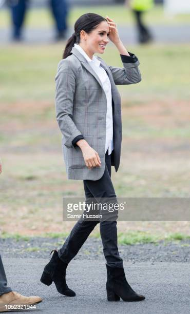 Meghan Duchess of Sussex arrives at Dubbo Airport on October 17 2018 in Dubbo Australia The Duke and Duchess of Sussex are on their official 16day...