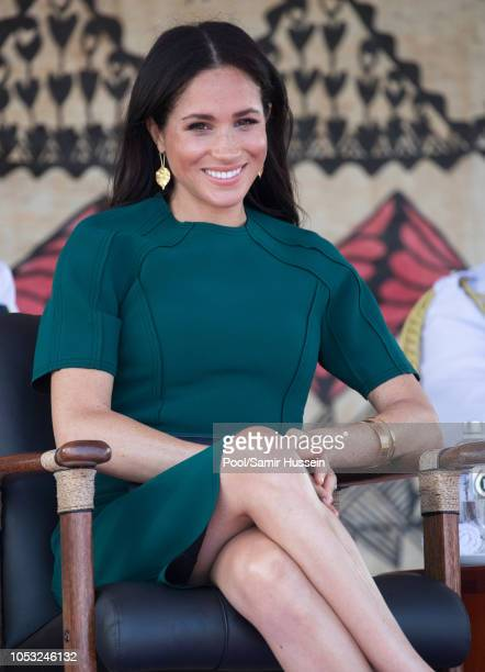 Meghan Duchess of Sussex attend the unveiling of the Labalaba Statue on October 25 2018 in Nadi Fiji The Duke and Duchess of Sussex are on their...