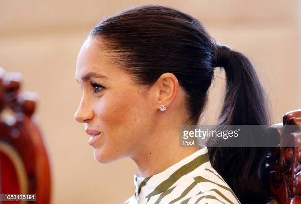 Meghan Duchess of Sussex attends the meeting with Tonga Prime Minister Akilisi Pohiva on October 26 2018 in Nuku'alofa Tonga The Duke and Duchess of...