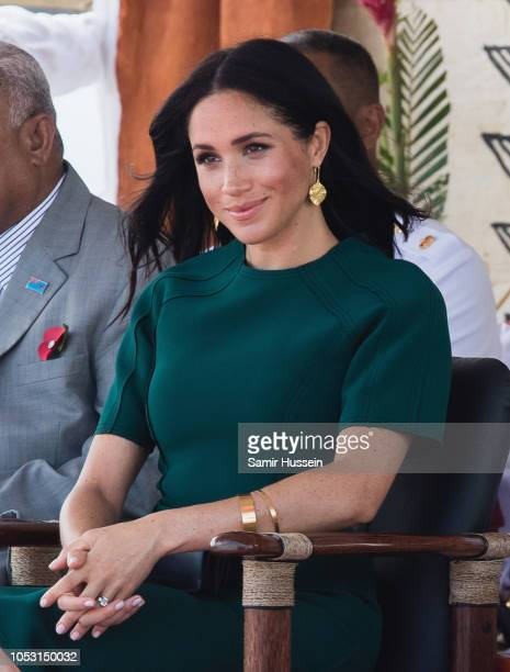 Meghan Duchess of Sussex attends the unveiling of the Labalaba Statue at Nadi Airport on October 25 2018 in Nadi Fiji The Duke and Duchess of Sussex...