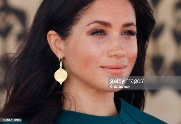 Meghan Duchess of Sussex attends the unveiling of the Labalaba Statue on October 25 2018 in Nadi Fiji The Duke and Duchess of Sussex are on their...