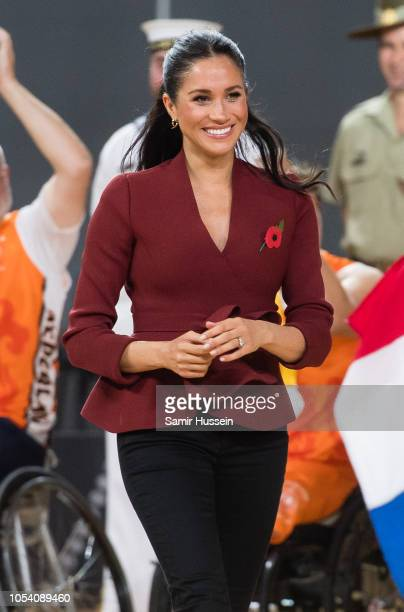 Meghan Duchess of Sussex attends the Wheelchair Basketball final at the Invictus Games on October 27 2018 in Sydney Australia The Duke and Duchess of...