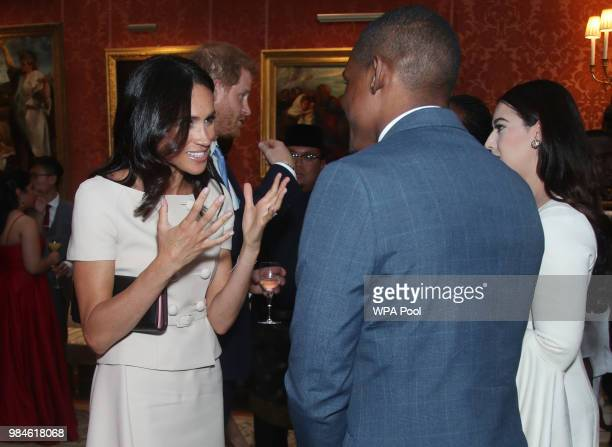 Meghan Duchess of Sussex meets group of leaders during the Queen's Young Leaders Awards Ceremony at Buckingham Palace on June 26 2018 in London...