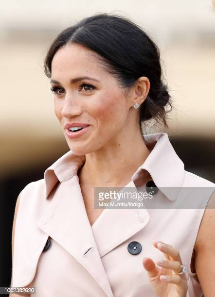 Meghan Duchess of Sussex visits The Nelson Mandela Centenary Exhibition at the Southbank Centre on July 17 2018 in London England The exhibition...