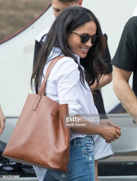 Meghan Markle appears at the wheelchair tennis on day 3 of the Invictus Games Toronto 2017 on September 25, 2017 in Toronto, Canada. The Games use...