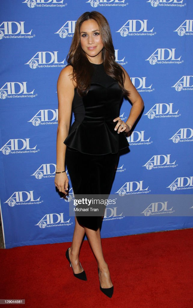 Meghan Markle arrives at the Anti-Defamation League Entertainment Industry Awards dinner held at The Beverly Hilton hotel on October 11, 2011 in Beverly Hills, California.