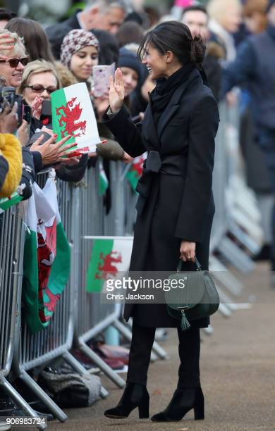 Meghan Markle meets locals during a walkabout at Cardiff Castle on January 18 2018 in Cardiff Wales