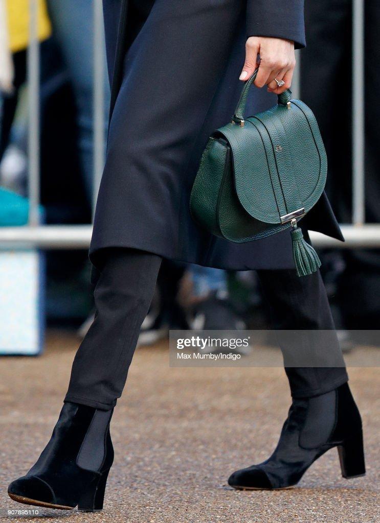 Prince Harry And Meghan Markle Visit Cardiff Castle : Nachrichtenfoto