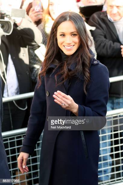 Meghan Markle visits Nottingham Contemporary on December 1, 2017 in Nottingham, England. Prince Harry and Meghan Markle announced their engagement on...