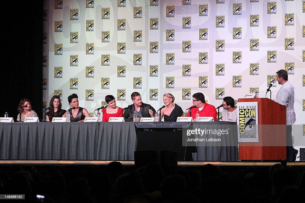 """Once Upon A Time"" Panel - Comic-Con International 2012 : News Photo"