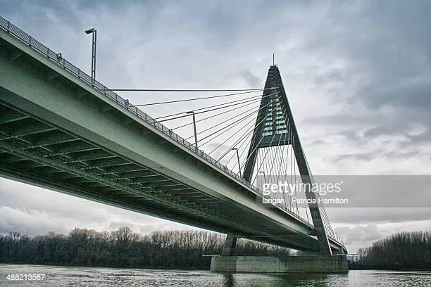 Megyeri Bridge, Hungary