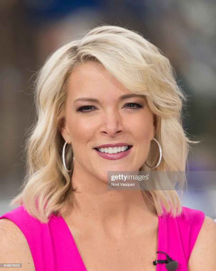 Megyn Kelly visits 'Extra' at Universal Studios Hollywood on September 19, 2017 in Universal City, California.