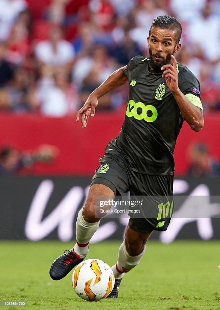 Sevilla v Royal Standard de Liege - UEFA Europa League - Group J : ニュース写真