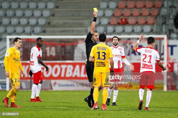 Mehdi Mokhtari referee and Amine Bassi of Nancy with yellow card during the Ligue 2 match between Nancy and Brest on January 26 2018 in Nancy France