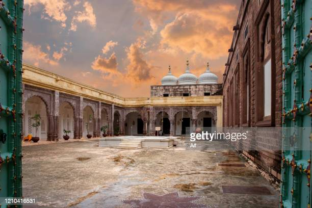 meherangarh fort in jodhpur, rajasthan, india - majestic stock pictures, royalty-free photos & images