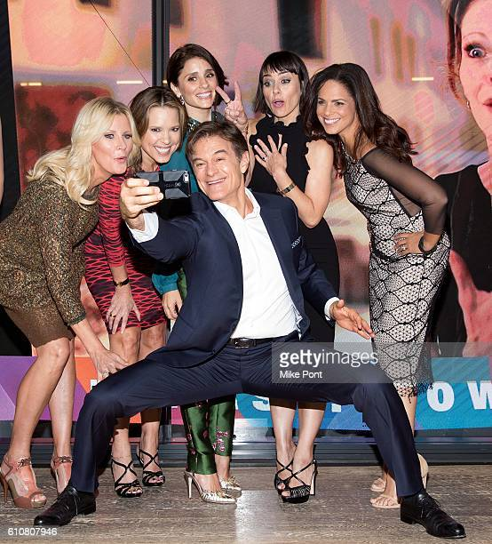 Mehmet Oz takes a selfie with Sandra Lee Hannah Storm Shiri Appleby Constance Zimmer and Soledad O'Brien at the HearstLive Launch at Hearst Tower on...