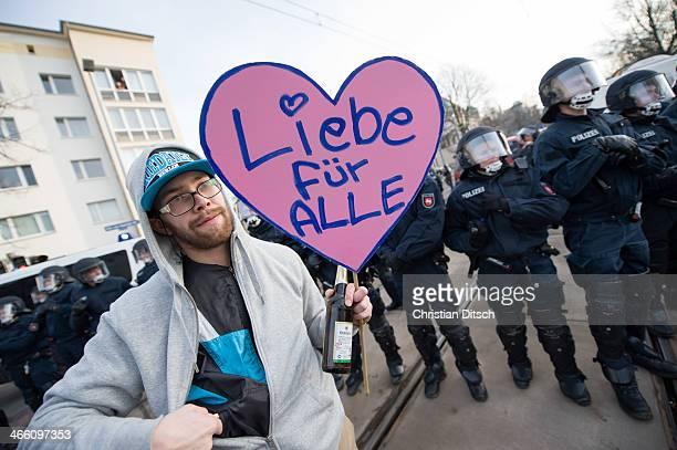 Mehrere tausend Menschen protestierten am Samstag den 18. Januar 2014 in Magdeburg gegen eine Demonstration von ca. 700 Neonazis. Die Nazis...