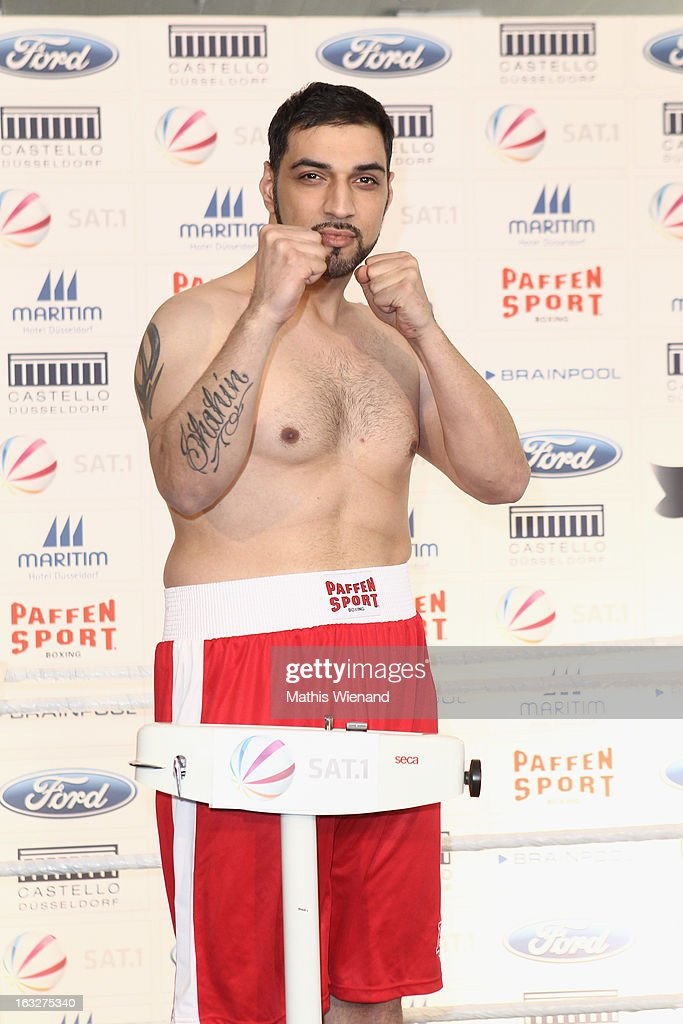 'Das Grosse Sat.1 Promiboxen' Offical Weighing And Photocall