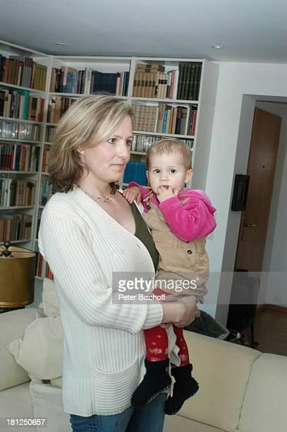 Meike Bruhns , Enkeltochter von W i b k e B r u h n s Ida Luise, Homestory, Berlin, ,