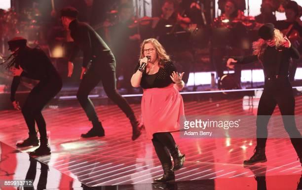 Meike Hammerschmidt performs during the 'The Voice of Germany' semifinals at Studio Berlin Adlershof on December 10 2017 in Berlin Germany The finals...