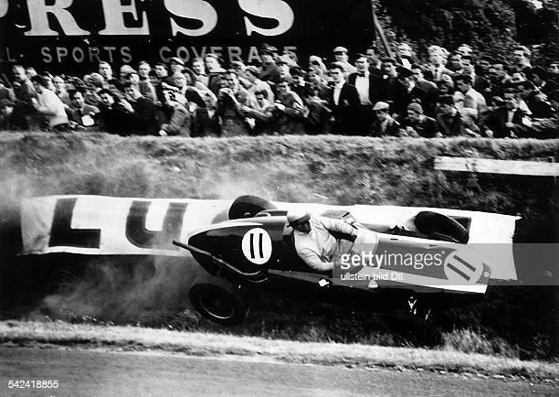 150 Meilen Gold Cup für Formel 1 Autosim Oulton Park A Owen fährt mit seinem Cooper schrägdie Abgrenzung der Rennstrecke entlang September 1959