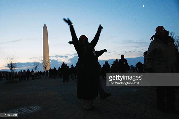 Inauguration DATE: January 20, 2009 CREDIT: Carol Guzy/ The Washington Post Washington DC People gather for inauguration of Barack Obama.
